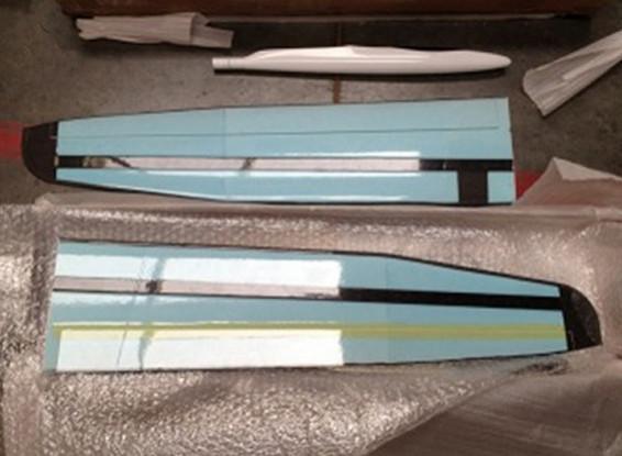 SCRATCH/DENT Versus Composite DLG 1500mm Glider Kit (UK Warehouse)