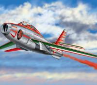 "Italeri 1/48 Schaal F-84F Thunderstreak ""Diavoli Rossi"" plastic model kit"