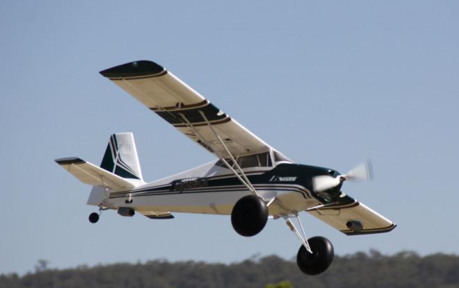 "Avios Grand Tundra - Green/Gold 1700mm (67"") Sports Model (PNF)"