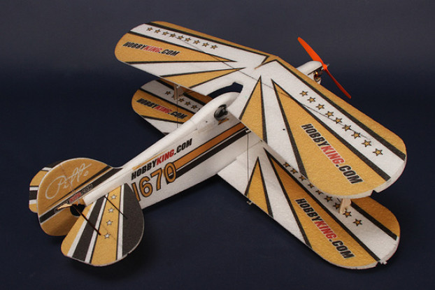 HobbyKing® ™ Pitts EPP-CF w / Brushless Outrunner