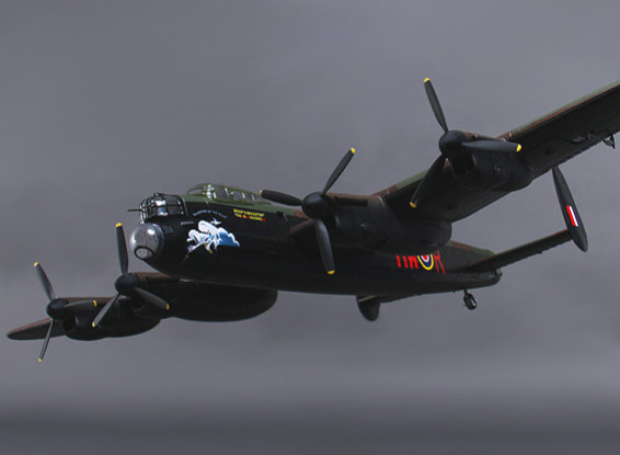 Avro Lancaster w / Retracts / Door Sequencer und Bomb Türen 1300mm (PNF)
