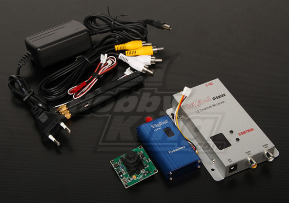 2,4 GHz de 1000 mW Tx Rx y 1 cámara CCD / 3 pulgadas * 520 PAL