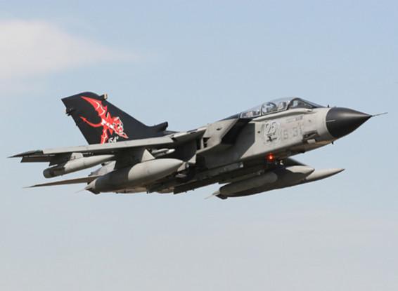 """Italeri 1/48 Scale Tornado IDS / ECR """"Специальные цвета"""" Комплект пластиковые модели"""