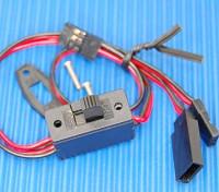 受信機のスイッチ(3プラグ)は、JR /双葉スーツ
