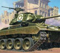 イタレリ1/35スケールM24軽戦車のプラスチックモデルキット